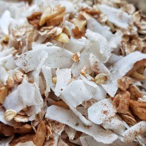 Kokosgranola ohne Zucker - zuckerfreies Knuspermüsli