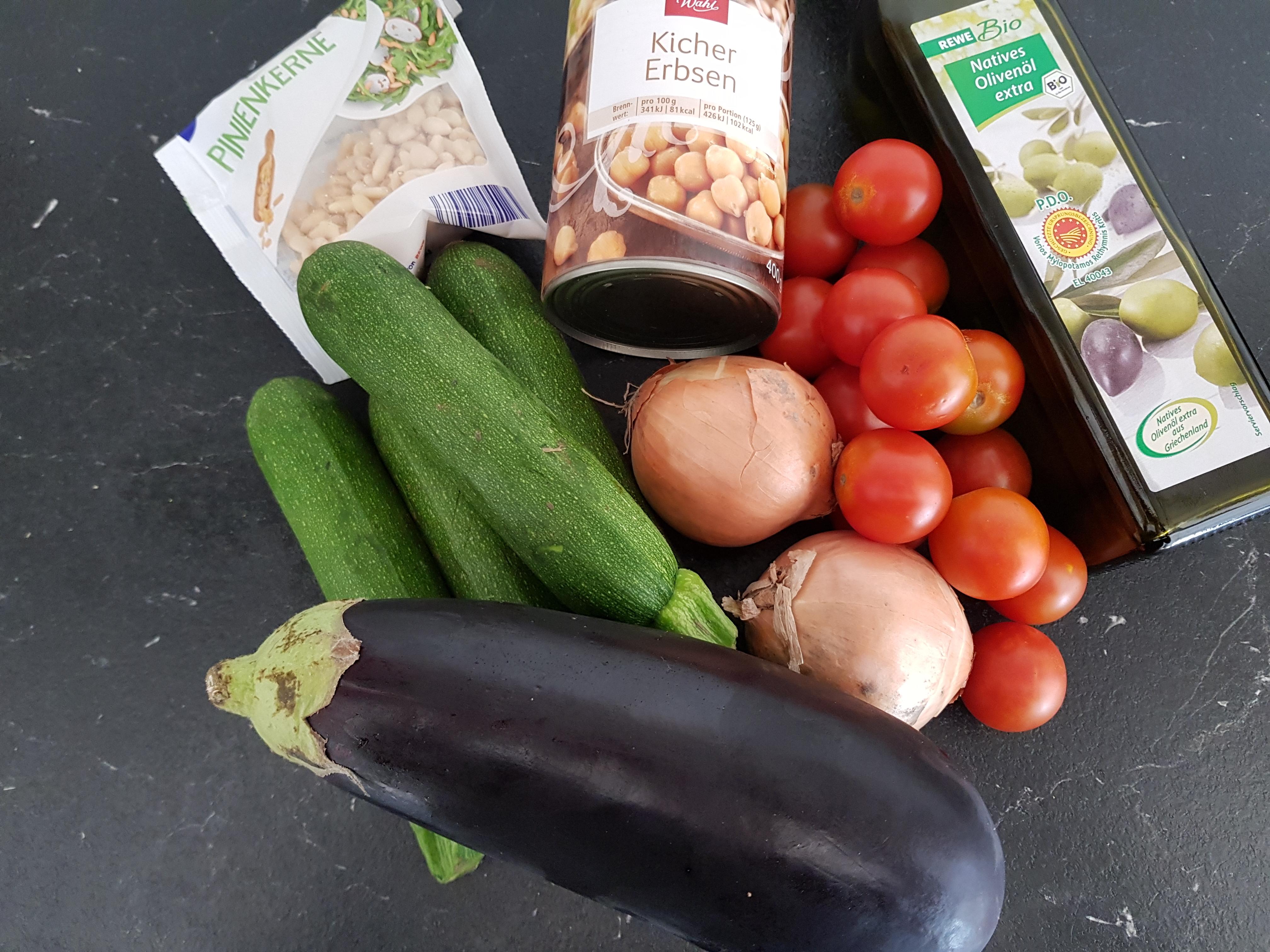 Zutaten für Gemüse im Ofen