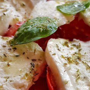 Caprese: Tomate-Mozzarella in Italien (unterwegs im Urlaub ohne Zucker)