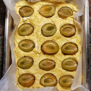 zuckerfreier Rührkuchen mit Obst gesüßt - einfaches und schnelles Rezept