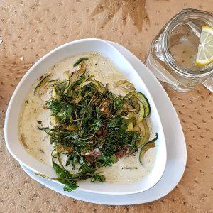 Nürnberg zuckerfrei: Soulfood LowCarberia Restaurant - Zucchini-Nudeln